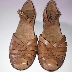 Clark Mary Jane tan leather sandals